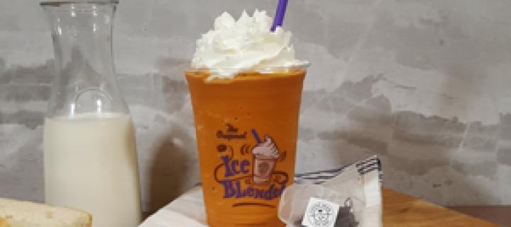 The Coffee Bean & Tea Leaf's Thai Tea Latte